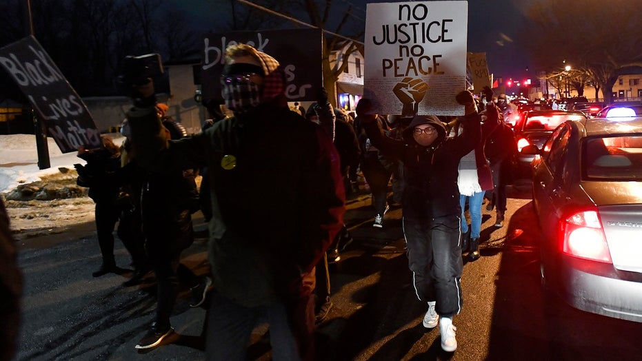 Daniel Prude grand jury verdict leads to Rochester protests after decision not to indict officers