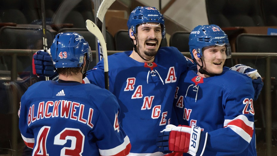 Strome, Kreider lead Rangers to 6-2 win over Bruins