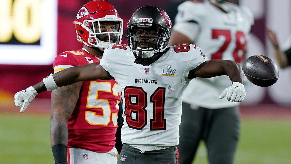 Antonio Brown ran wrong route on Super Bowl LV touchdown catch, Bucs coach says