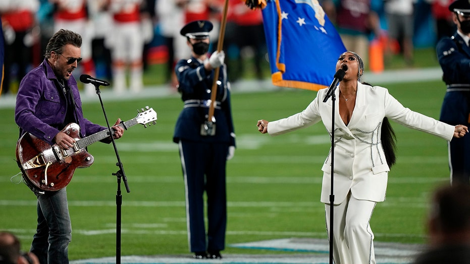 Super Bowl 2021 National Anthem performance by Eric Church, Jazmine Sullivan gets mixed reviews