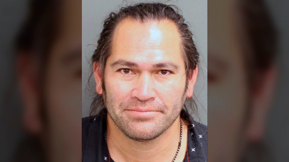 Ex-MLB star Johnny Damon to serve community service in DUI case, lawyer says