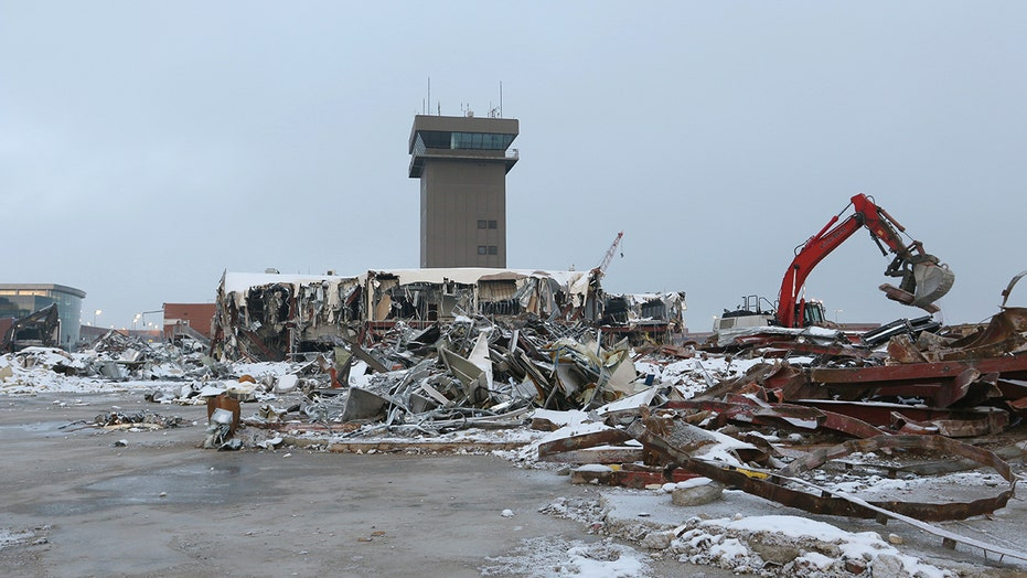 Salt Lake City Airport demolishes 84-foot Delta tower, shares video online