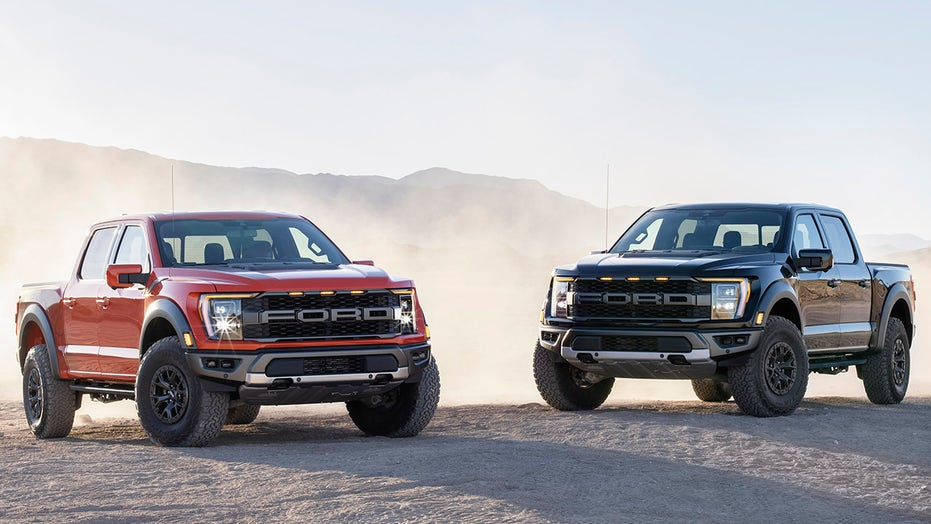 2021 Ford F-150 Raptor pickup revealed with new suspension and tech