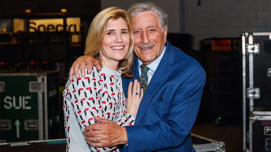 Tony Bennett 'doesn't know' he has Alzheimer's disease, wife Susan Benedetto says