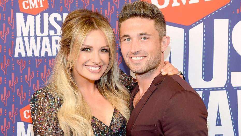 Carly Pearce reflects on Michael Ray divorce: 'It was so embarrassing'