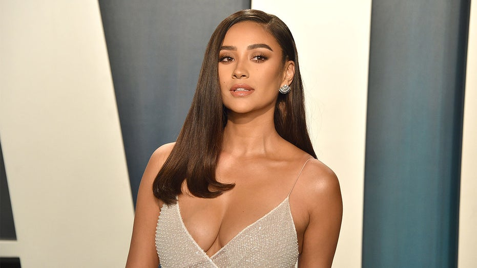 Shay Mitchell flaunts fit figure after 4-week work out commitment: 'I wanted to focus on myself again'