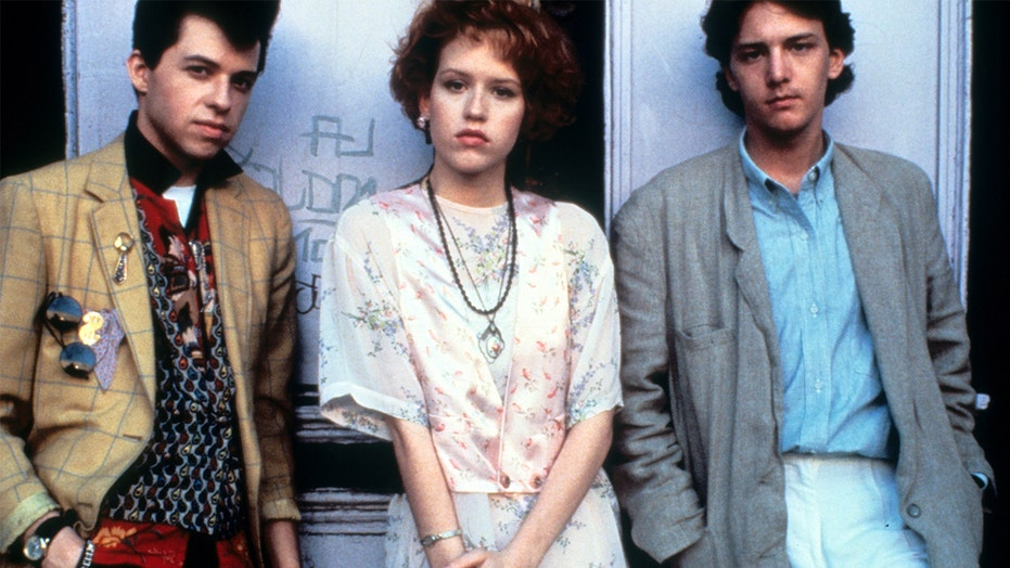 'Pretty in Pink' director says he 'pretty much groveled' for Molly Ringwald to join the cast