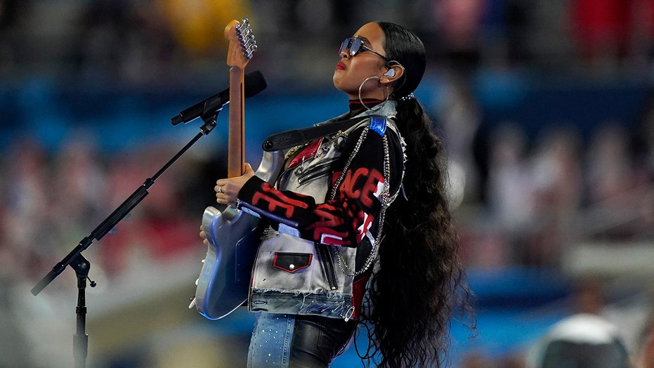 Super Bowl 2021 viewers react to guy advertising drink during H.E.R. performance