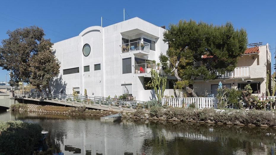 Hunter Biden, family move into $5.4M Venice, Calif. home: report