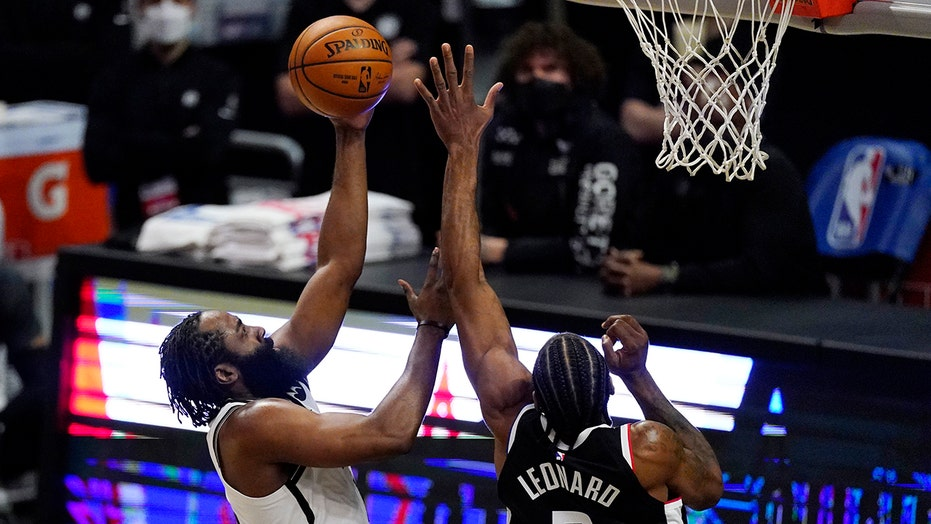 Nets hold on to edge Clippers, win season-best 6th in a row