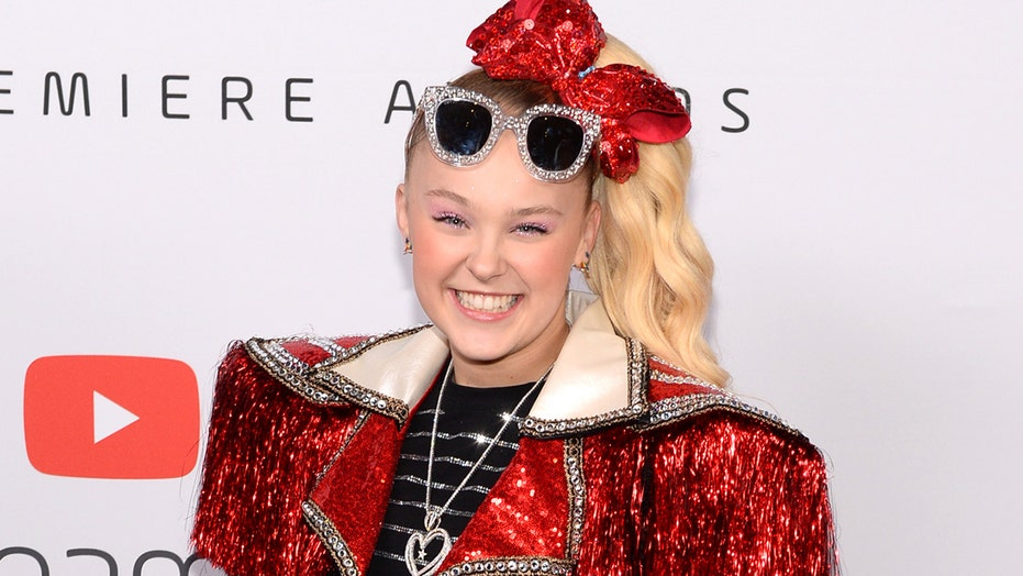 JoJo Siwa introduces girlfriend Kylie, says she's 'the happiest I've ever been' after coming out