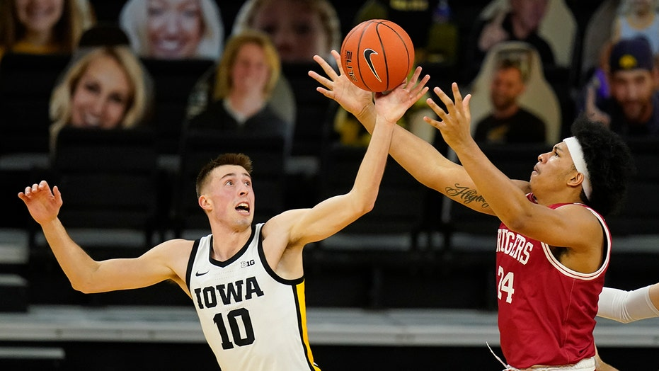 Wieskamp leads No. 15 Iowa to 79-66 win over No. 25 Rutgers