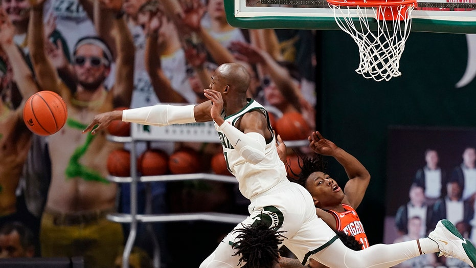 Michigan St tops No. 5 Illinois 81-72, bolsters NCAA chances