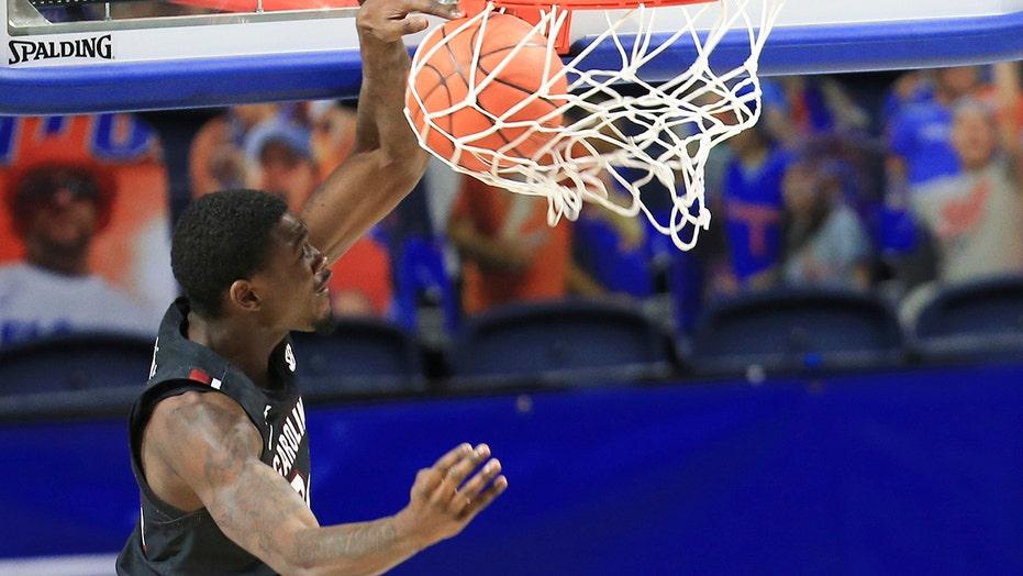 South Carolina pounds No. 22 Florida in paint, wins 72-66