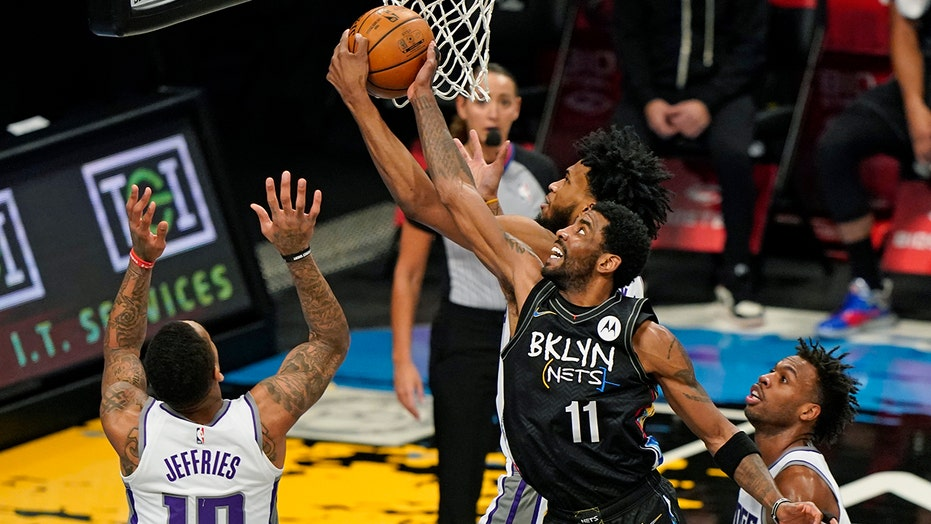 Nets use balanced scoring to send Kings to 8th straight loss