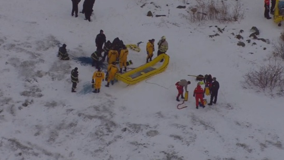 Cleveland Coast Guard rescues 10 people stranded on ice flow near park