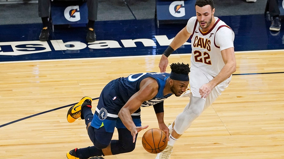 Cavaliers F Nance out up to 6 weeks with broken left hand
