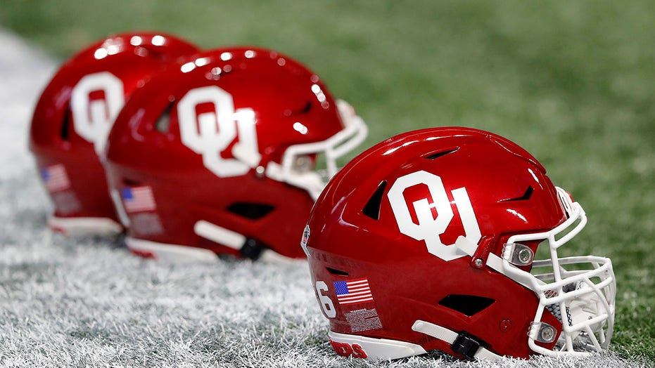 Oklahoma football player suffers serious eye injury after bar brawl: report
