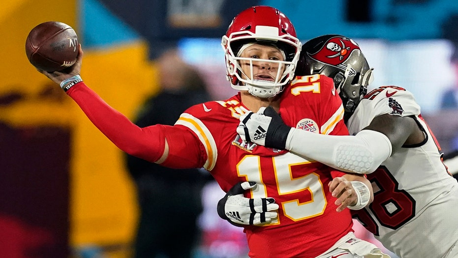 Patrick Mahomes goes without passing TD for 1st time since 2019, laments missed chances in Super Bowl LV loss