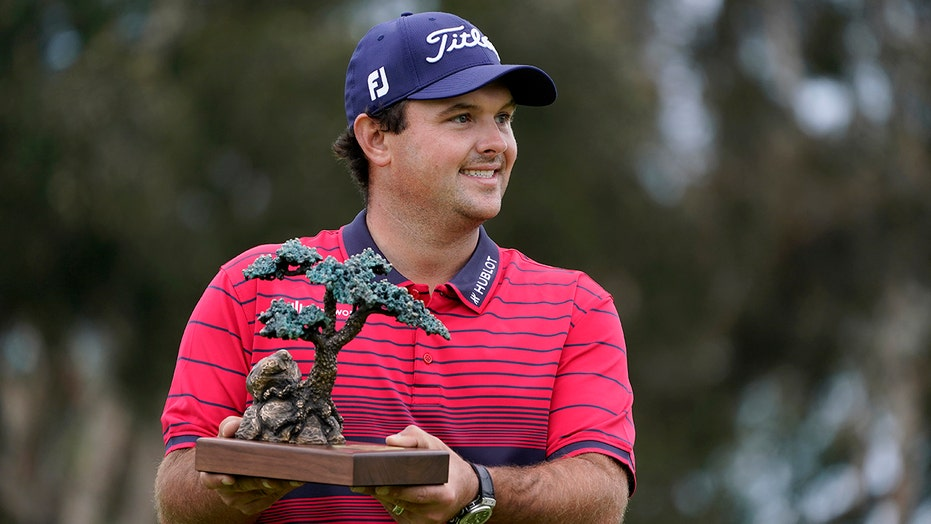 Day after rules controversy, Reed wins at Torrey Pines