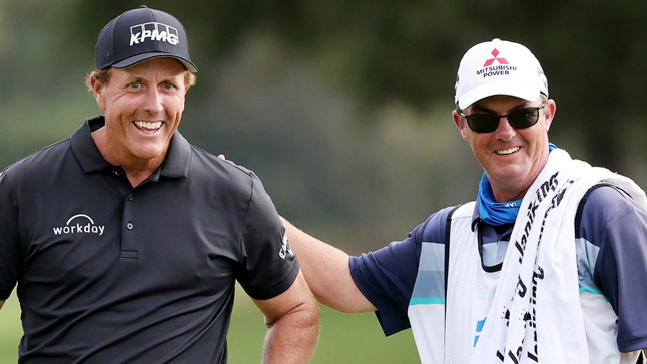 Mickelson eyeing record 3rd straight PGA Tour Champions win