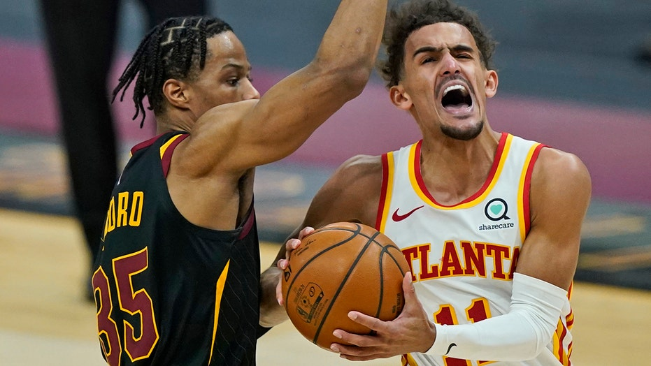 Hawks' Young snubbed as All-Star, then loses 112-111 to Cavs