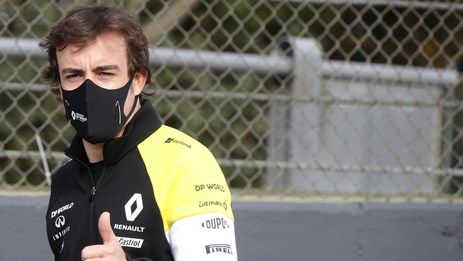 F1 driver Fernando Alonso suffers broken jaw in cycling accident