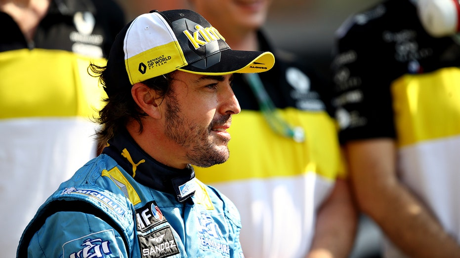 2-time F1 Champion Fernando Alonso hospitalized after cycling accident