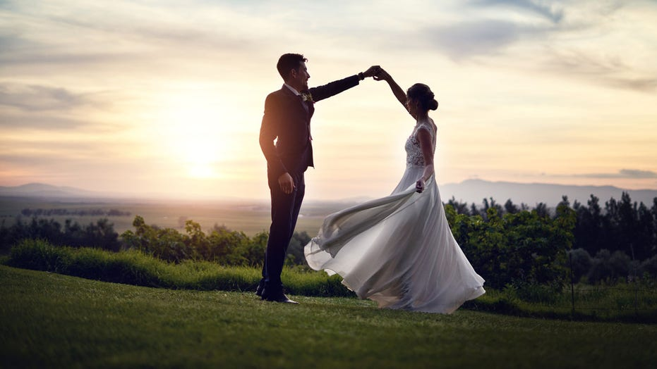 Outdoor weddings rise in popularity