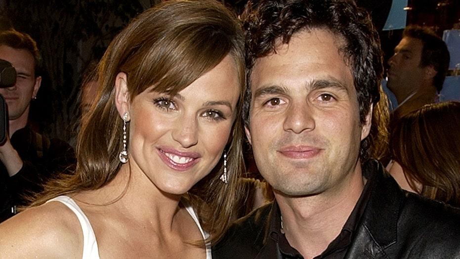 '13 Going on 30′ stars Jennifer Garner and Mark Ruffalo reunite 17 years later