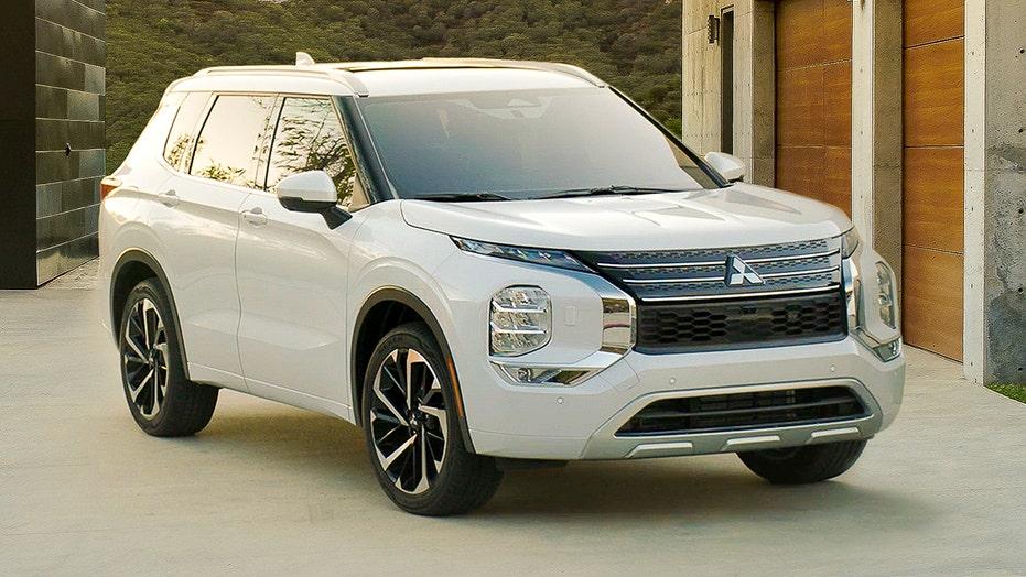 2022 Mitsubishi Outlander revealed with outlandish design
