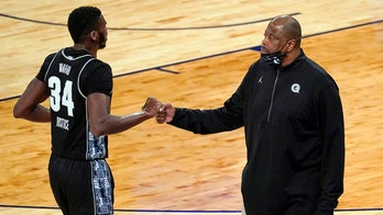 Georgetown upsets Big East top-seeded Villanova 72-71 at MSG