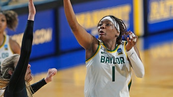 Reigning women's champ Baylor in 12th consecutive Sweet 16