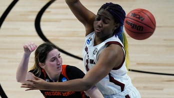 Top seed South Carolina dismantles Oregon State in NCAAs