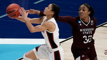 Stanford romps into Elite Eight, 89-62 over Missouri State