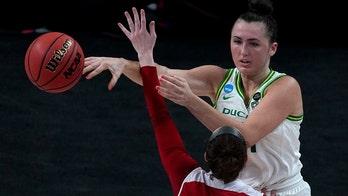 Oregon women hold South Dakota to 9 1st-half points, cruise