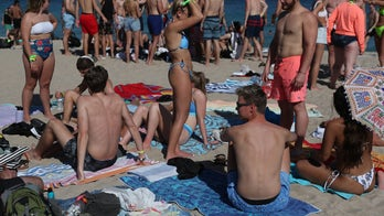 California and Texas brace for Spring Breakers after Florida sees crowded beaches