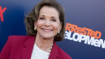 Celebrities react to Jessica Walter's death: 'An absolutely brilliant actress'