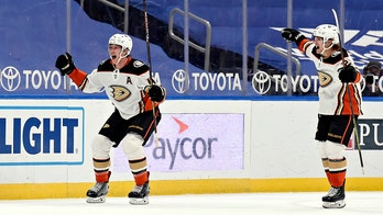 Manson scores in OT to lead Ducks to 3-2 win over Blues
