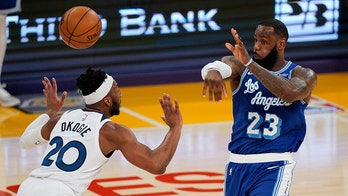 LeBron gets 99th triple-double, Lakers rout Wolves 137-121