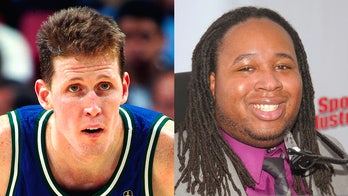 Paralyzed ex-NBA star Shawn Bradley gets advice from former college football player Eric LeGrand