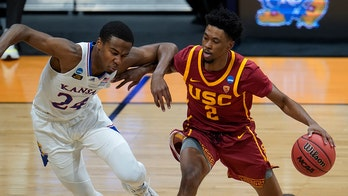 Mobley Bros. lead No. 6 seed USC to 85-51 rout of Kansas