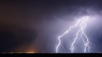 Dramatic lightning strikes caught on camera in Alabama