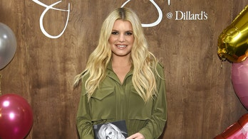 Jessica Simpson wants to be a positive role model for her three children about body image, source says