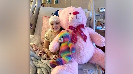 7-year-old Alabama girl sells lemonade to help fund her brain surgeries