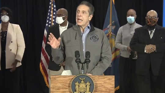 NY lawmakers call on Cuomo to release COVID book deal documents
