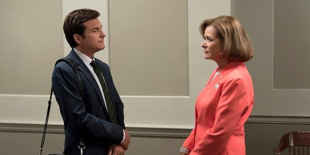 Jessica Walters and Jason Bateman in 'Arrested Development.