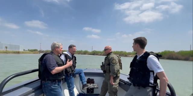 Sens. Barrasso, Hoeven, Cotton on a boat tour of the Rio Grande. (Office of Sen. Barrasso)