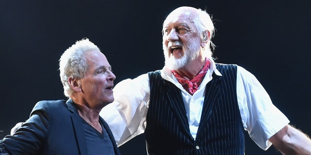 Mick Fleetwood says he's reconciled with Lindsey Buckingham after Fleetwood Mac drama in 2018.jpg