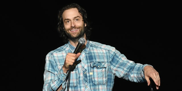 Chris D'Elia allegedly had sexual relations with a 17-year-old before demanding sexually explicit photos and videos from her. (Getty Images)